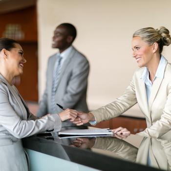 Agent de banque contact clientèle