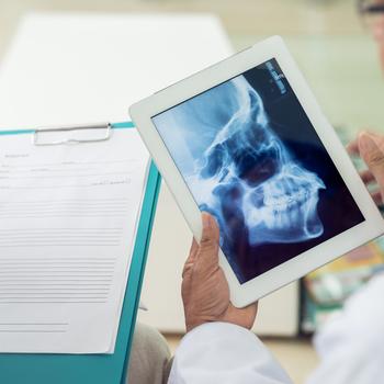 Chirurgien·ne maxillo-facial·e