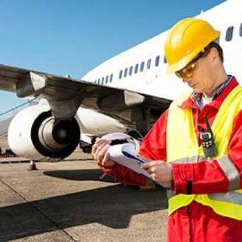 ingénieur spécialisé en aéronautique