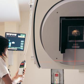 Médecin spécialiste en radiothérapie-oncologie