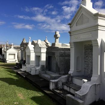 Tailleur de monuments funéraires