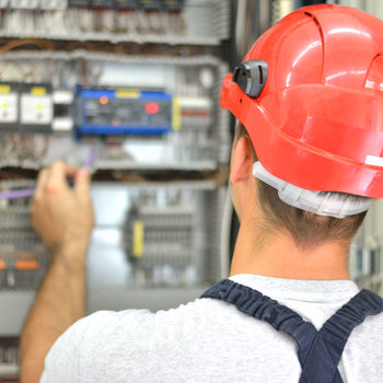 Technicien de maintenance en électronique